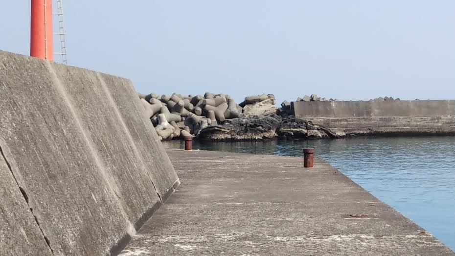 千倉港赤堤防