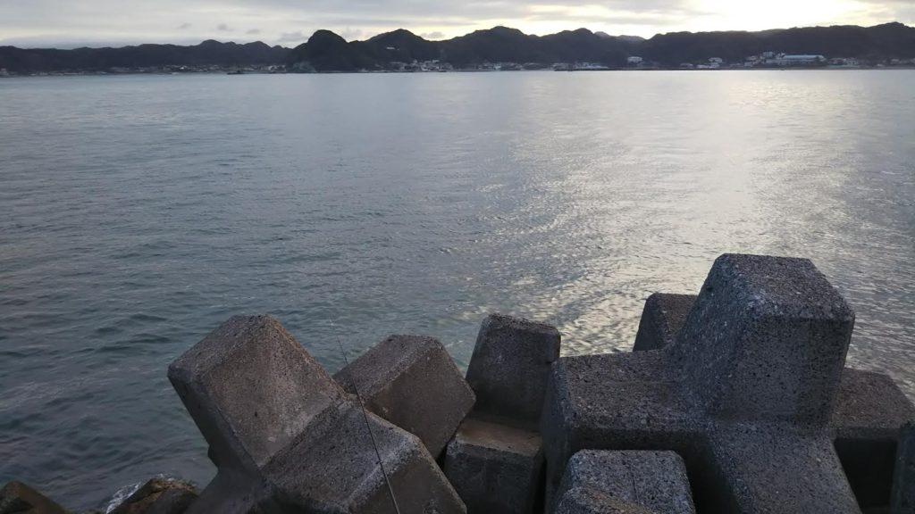 富浦新港 赤堤防