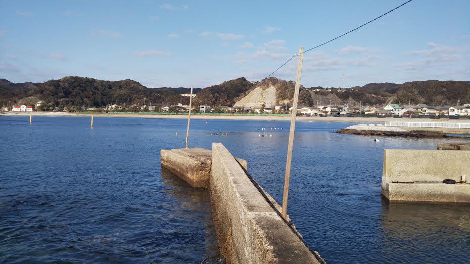 興津の堤防