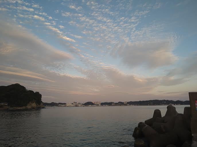 勝浦の堤防